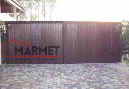 Garaż blaszany 6×6 m + dwie bramy uchylne