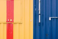 Tradycyjne kolory garaży blaszanych – co wybierają klienci?